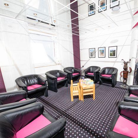Zahnärzte Datteln - Wartezimmer Sessel - Praxis